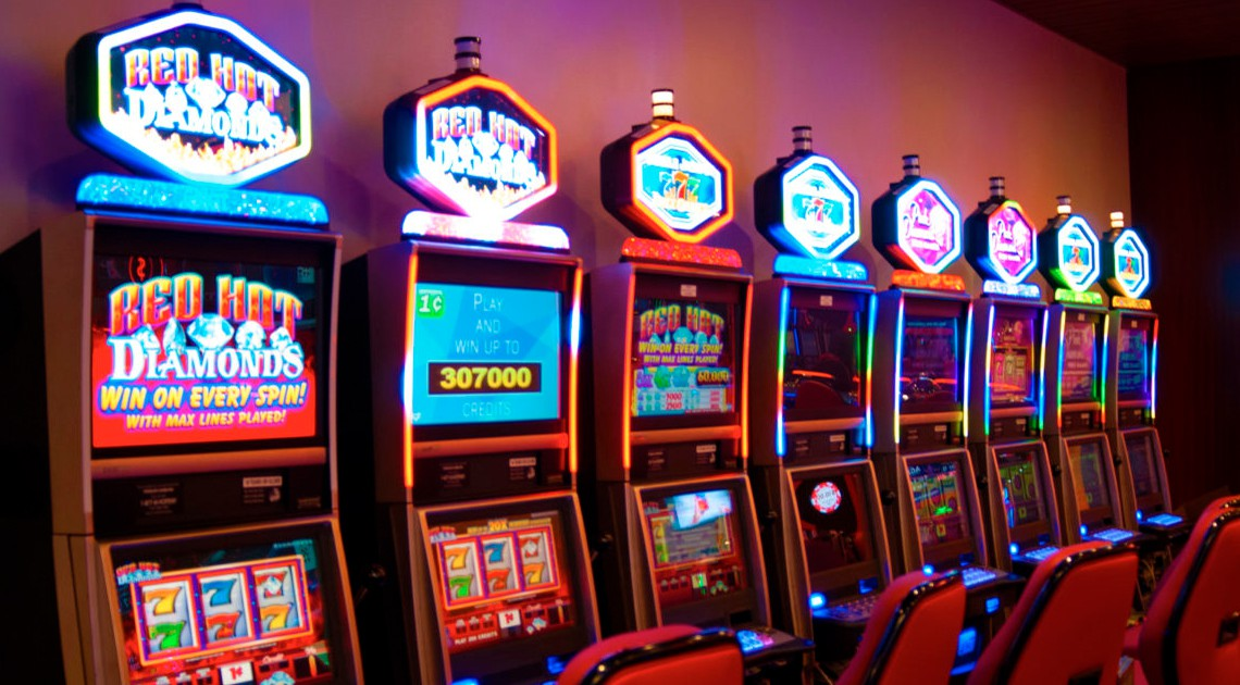 Why Should You Play Slots for Fun and Easy Wins?