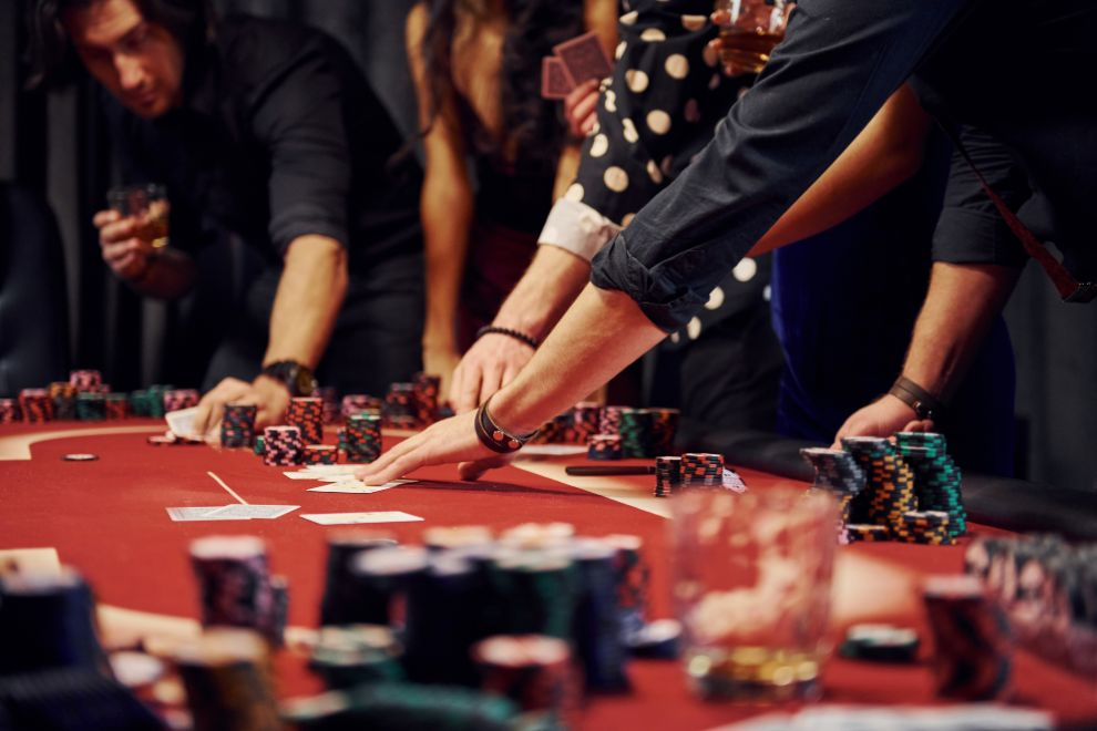 Fish Tables Online: The Best Strategy for Beginners in 2021